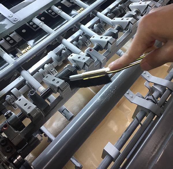 印刷機の清掃・メンテナンス~排紙部~